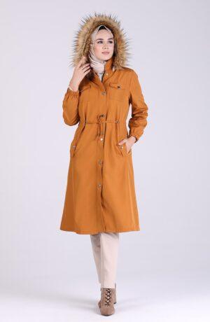 abrigo largo mostaza